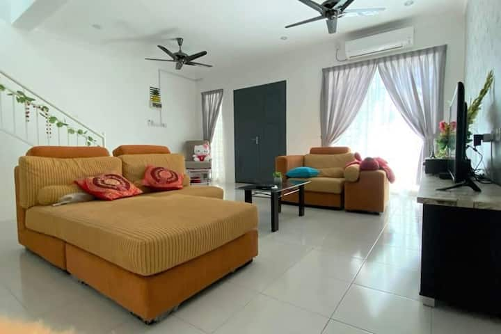 No 66 Little Sweet Home at Ayer Tawar / Sitiawan