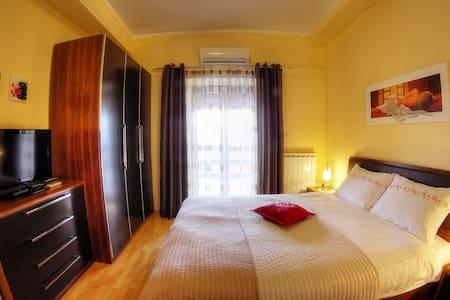 Villa Marija -  room 2 with balcony - Motovun - Bed & Breakfast