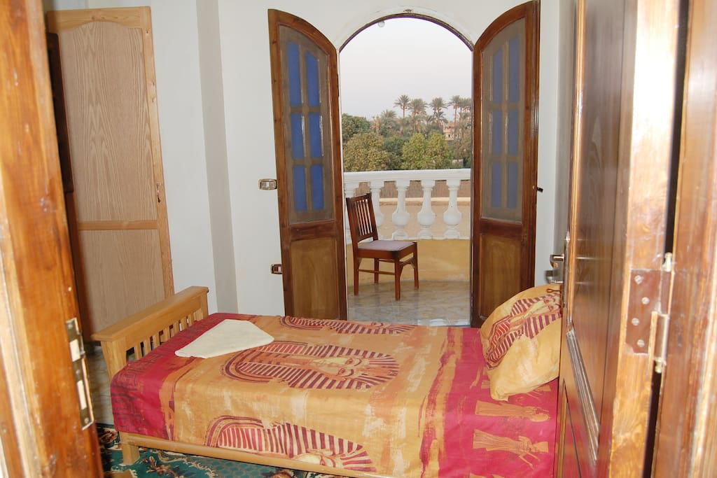 Single Room with balcony and private bathroom