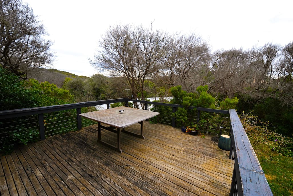 Huge out door deck overlooks Point Nepean National Park, is secluded and with nature
