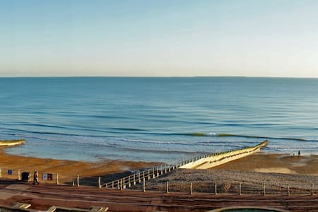 Stunning sea view 3 bed apartment - Hastings - Wohnung