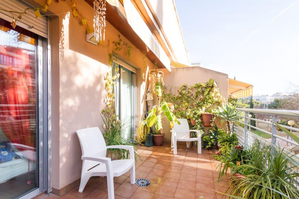 En esta magnifica terraza se puede pasar horas leyendo, trabajando o tomando el sol¡¡¡