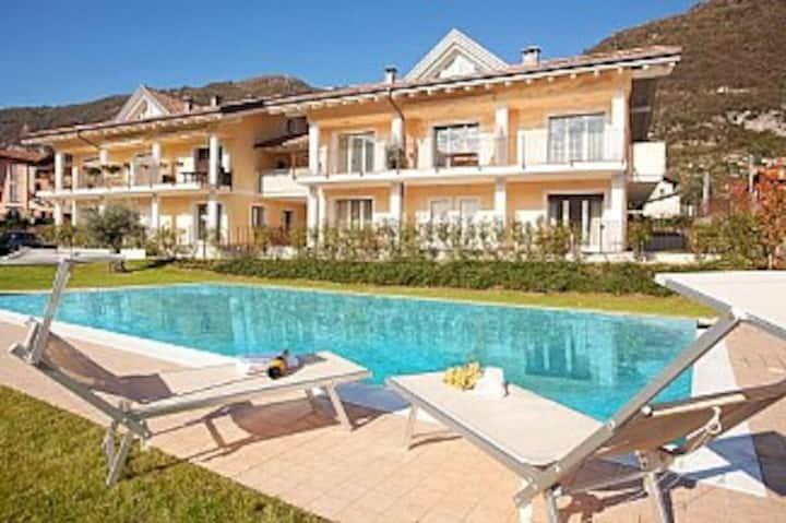 Lenno Spese pool apartment