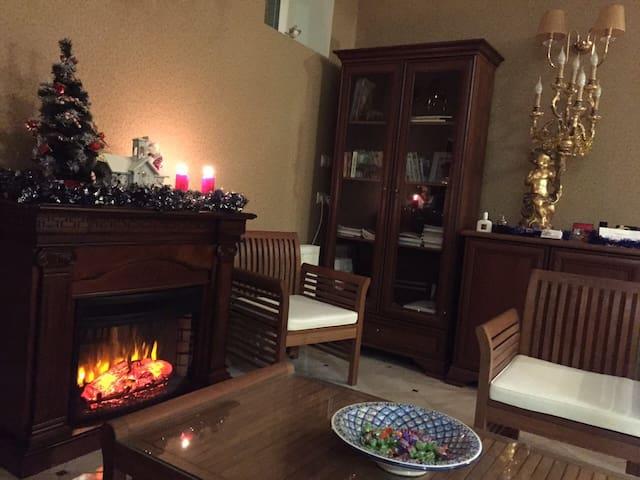 комната с удобствами в коттедже - Домодедово - Bed & Breakfast