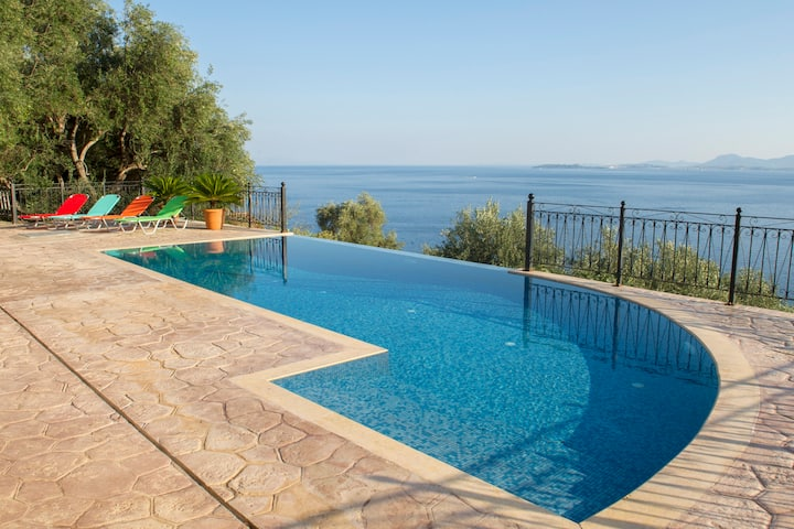 Studio Villa Daniella with private pool