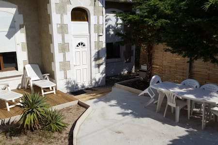 maison de style acarchonaise à 2 pas de la plage - Lacanau - Huis