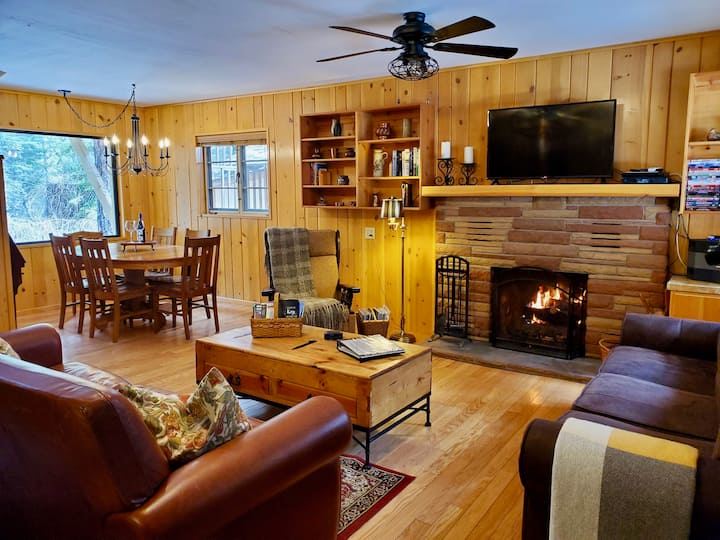 A Charming Gem in the Big Woods!