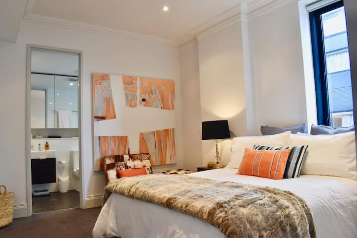 Stylish 1 bedroom apartment in vibrant Potts Point
