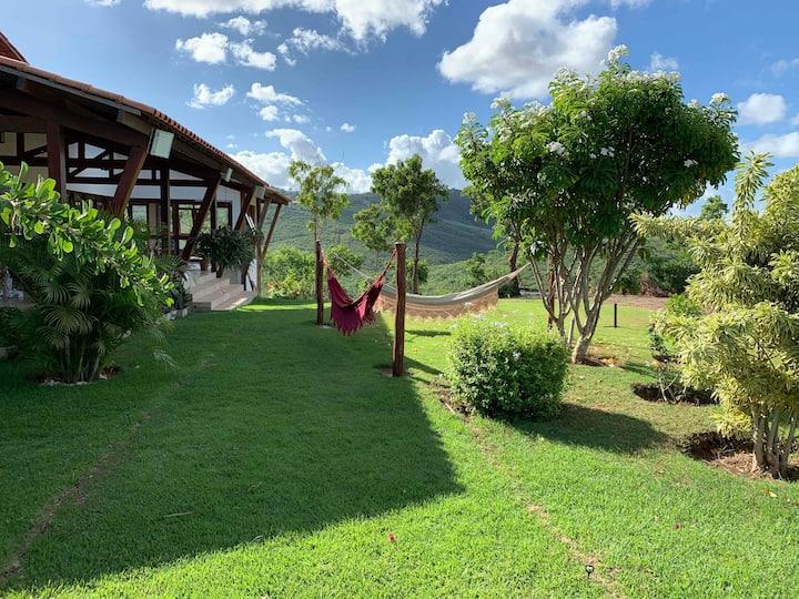 Luxuosa Casa de Campo c/ area gourmet e bela vista