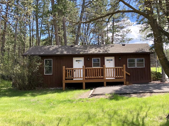 16 - 17 Coon Hollow Family Cabin, Sleeps 7