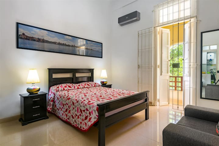 Great for couples Apartment Vedado Nova private
