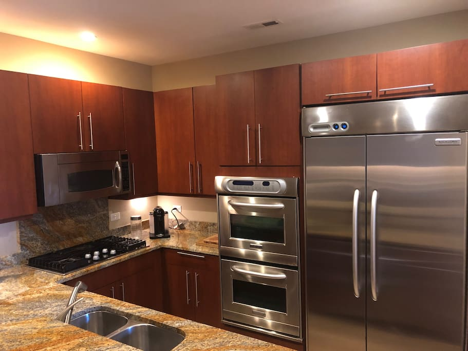 Gourmet Kitchen with Kitchen Aid Appliance (double convection oven)