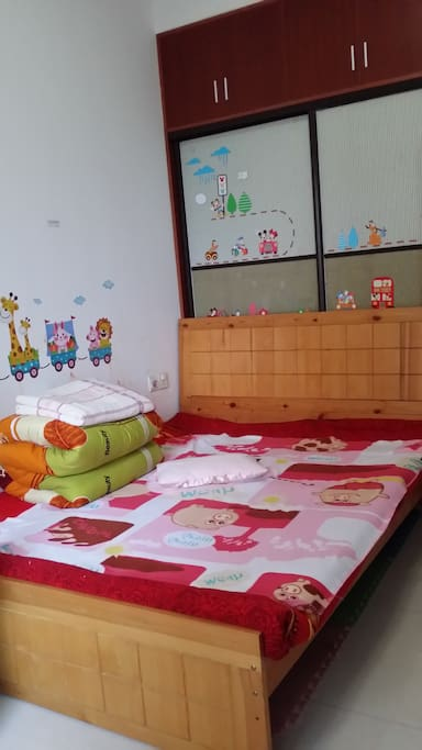 guest room 1# : 1.5meter bed include child seat