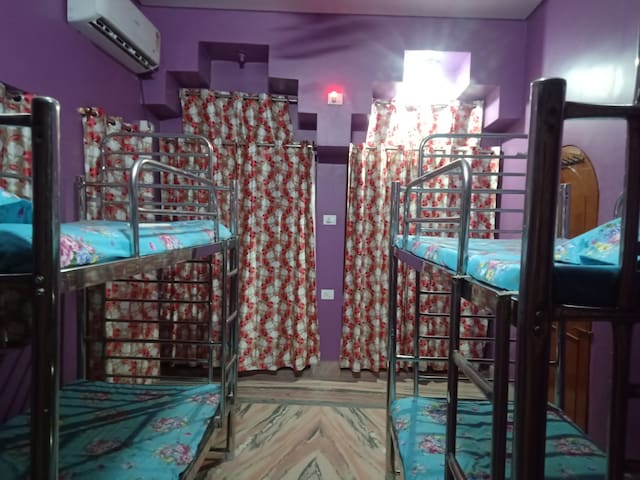 4 bed in lovely dorm only 251 INR