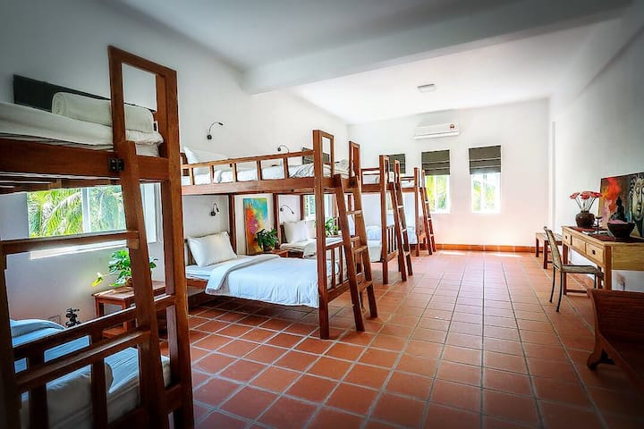 Bosco House-8 beds, (free pick-up+breakfast)
