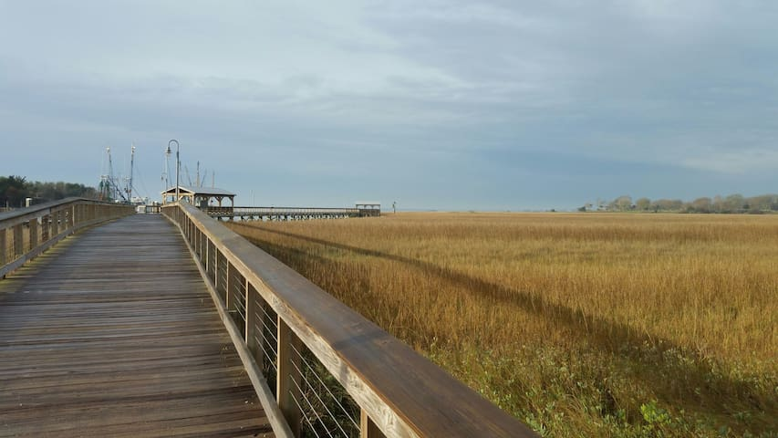Shem Creek and the Mt. Pleasant public park is just over a mile away.
