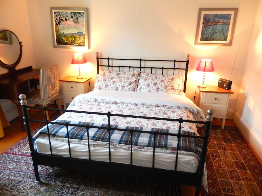 Kinside bed and professionally laundered bed linen.