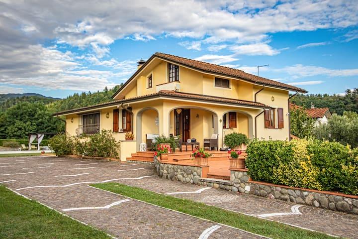 Villa Lunae- Exclusive property/ Pool / BBQ