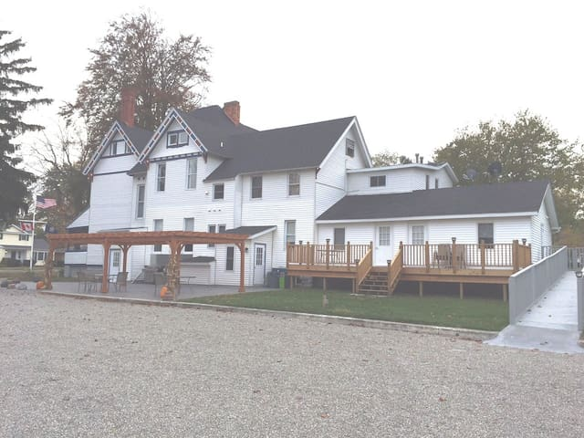 Lake Huron Lodge 7 Boutique Hotels For In Lexington Michigan United States
