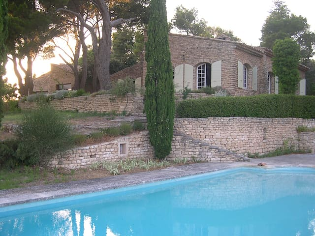 An Artist's Home in Provence - MURS