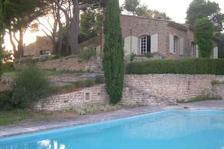 An Artist's Home in Provence - MURS - Ev