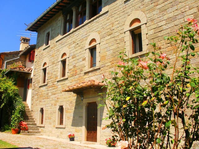 Large Manor House with private pool - Caprese Michelangelo - Rumah