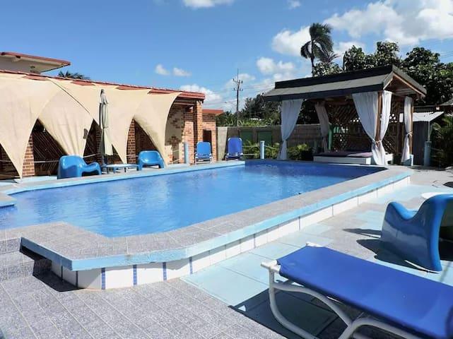 Casa Zuleika con piscina, 3 hab - MiAlquilerEnCuba