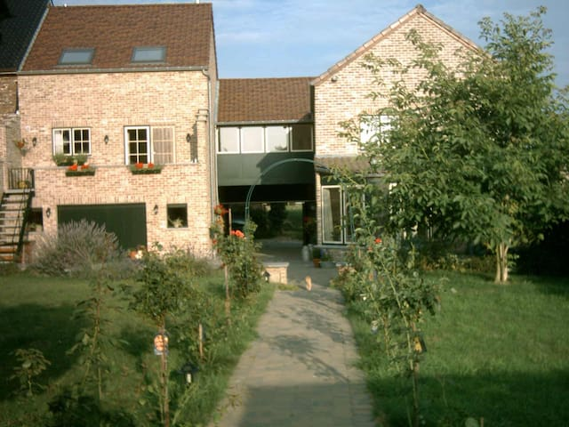 holiday home (nearby Sint-Truiden) - Sint-Truiden - Casa