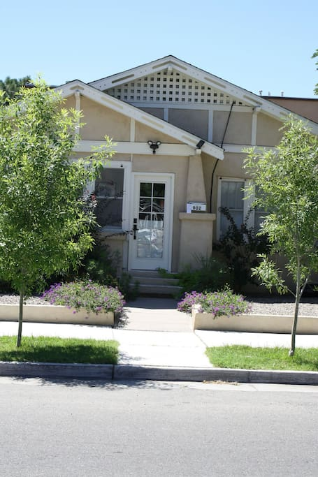 Fantastic 1930 adobe in downtown houses for rent in for Modern homes albuquerque