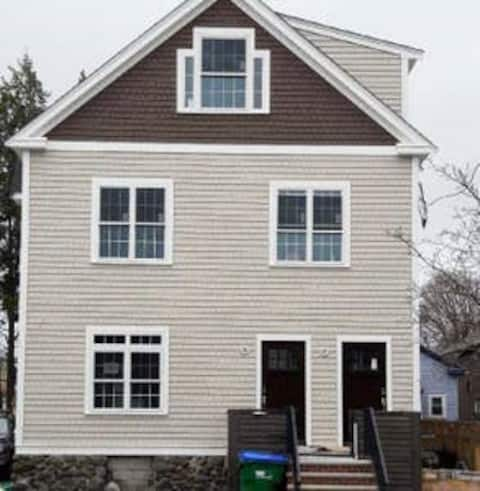 Charming Colonial Two Bedroom Basement Apartment