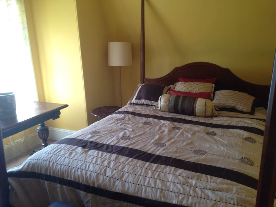 The Guest Room. Queen Four-Poster Bed, Electric Fireplace. Large Dresser with Mirror