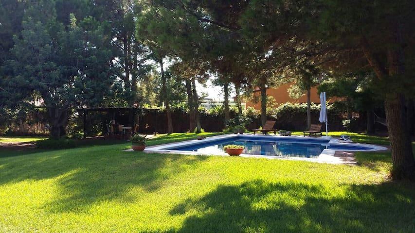 Villa 250m2+Piscina+3.000m2 jardín - Calafell - Hus