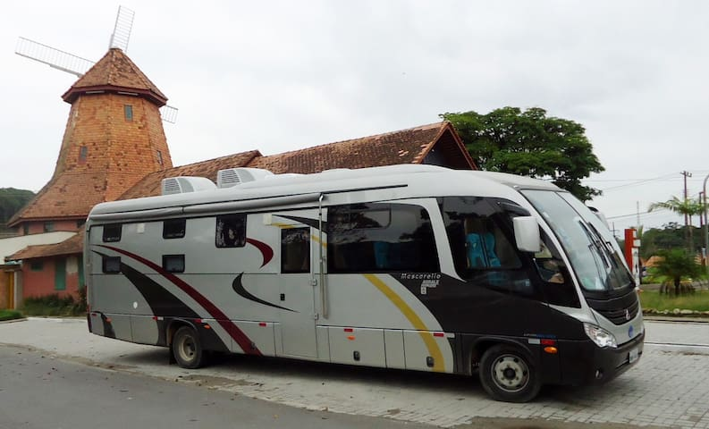 RV/Motorhome Rental  capacity 6 pax