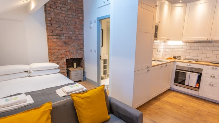 Modern Studio close to Manchester City Centre Deansgate By Pillo Rooms