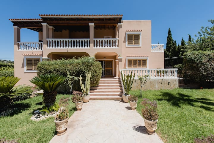 Fantastic independent 5 bedroom villa in Jesús