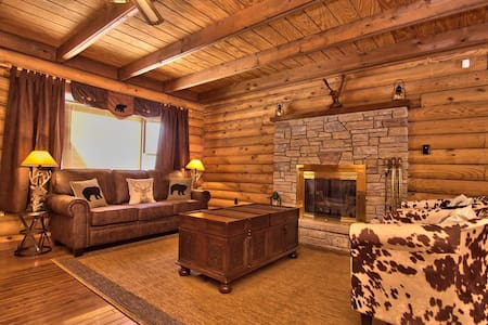 Poconos heaven Rustic Log Cabin in Magical Setting - Tobyhanna - Kulübe