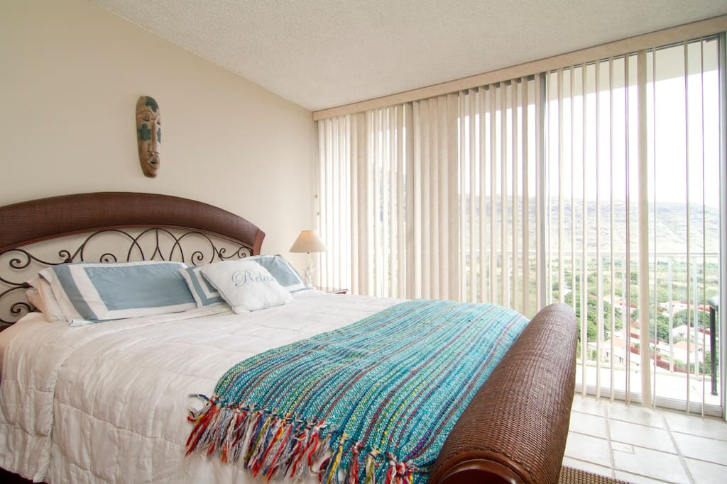 Views of Valley and Ocean from your bedroom