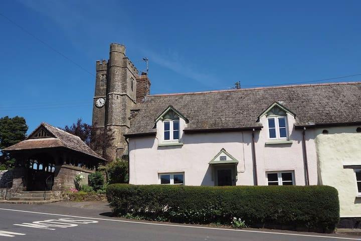 Lychgate Cottage, charming rural village
