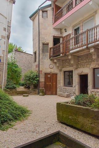 appartement 100 m2 calme centre ville historique