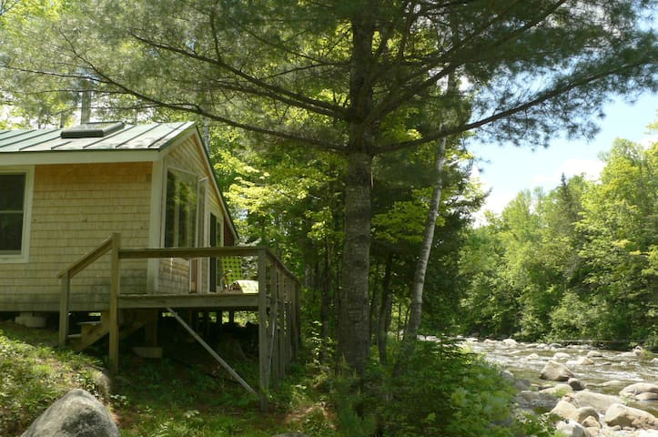 Stream-side mountain retreat - Phillips - Stuga