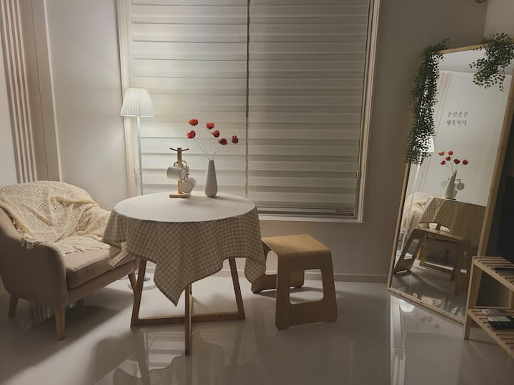 [Sunny House#3] 전주Cozy&Warm 감성숙소 ;  써니하우스 Milk 밀크