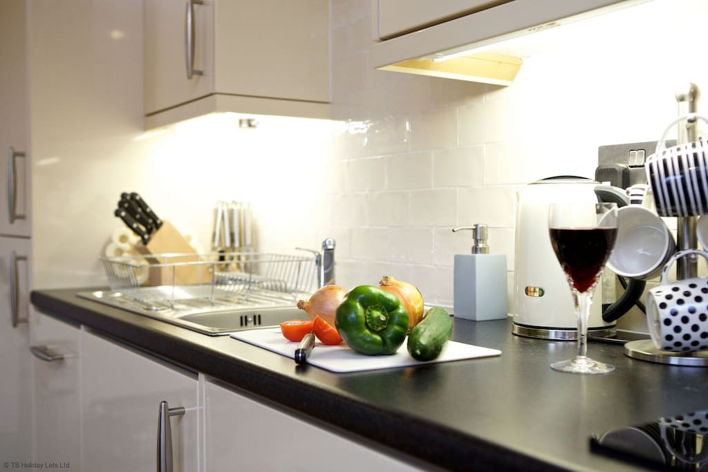 Locherlour Mill Cottage -  Modern Kitchen