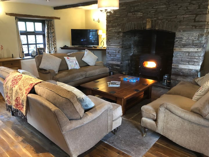 The Farmhouse at Hilltops Brecon
