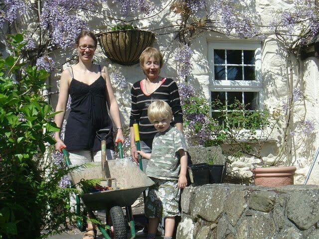 Cosy 18th century stone cottage - Llanbedr-y-cennin