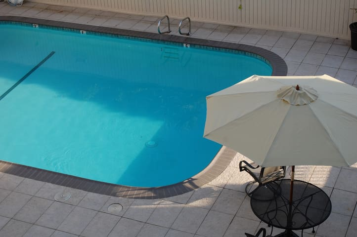 Urban Eco living Private 1br w/pool - Oakland - Apartment