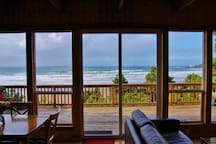 Oceanfront Cottage - Amazing Views!