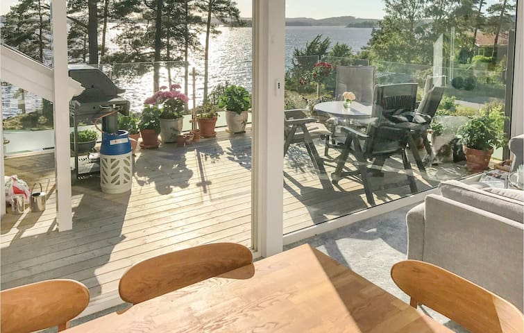 Holiday cottage with 1 bedroom on 47 m² in Alingsås