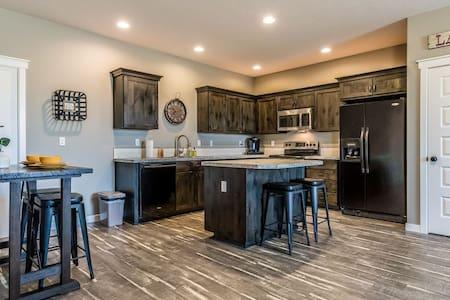 Kingview Estates Guest Suite exceptional views