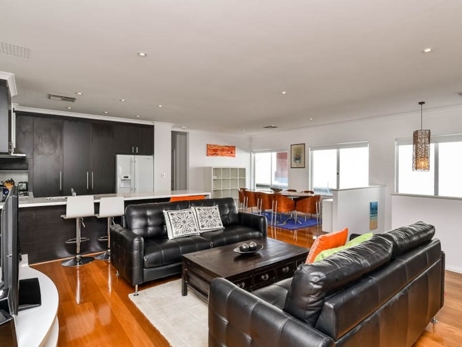 Luxury 4 Beds Family Home In City Cbd Houses For Rent In Perth Western Australia Australia