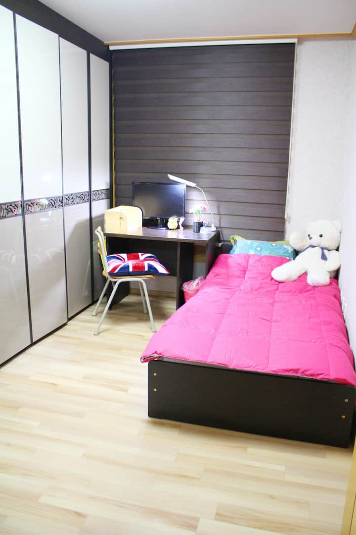 super clean SEOUL HOME! GOOD LOCATION *ROOM2 여성전용